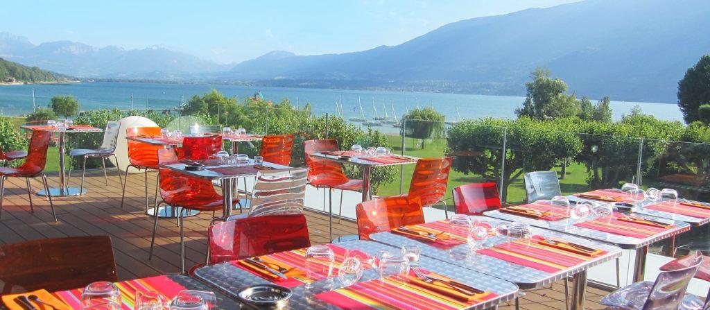 Terrasse de l'hôtel Best Western l'Aquakub Aix-les-bains en Savoie